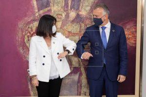 """Torres agradece a Sánchez que apueste por Darias para la cartera que """"hoy lo es todo"""""""