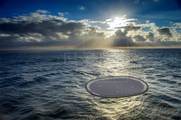 Un consorcio europeo prueba en Gran Canaria una planta solar marina flotante