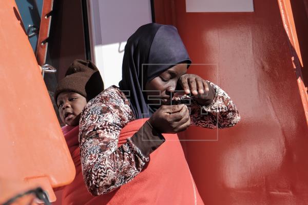 Las otras cifras de la inmigración: un 15 % menores, un 5 % mujeres, el 70 % en Gran Canaria