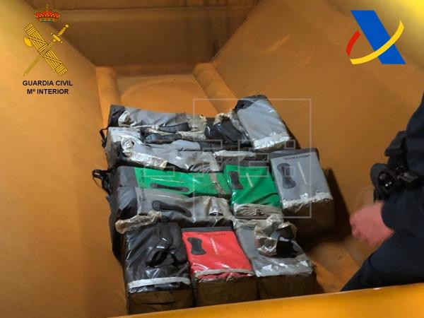 Intervenidos en el puerto de Santa Cruz de Tenerife 387 kilos de cocaína en un buque que llegó de Brasil