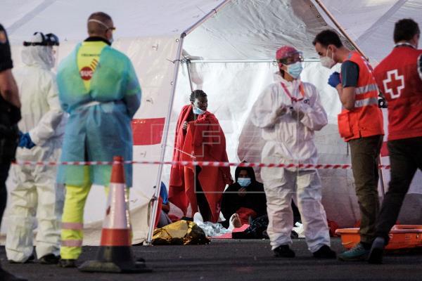 Un nuevo fallecido en una patera eleva a 18 las víctimas en la Ruta Canaria en lo que va de 2021