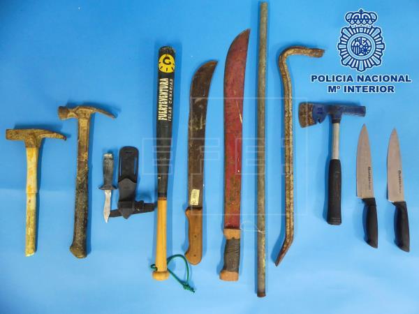 Diez detenidos por una reyerta en Tenerife con machetes y barras de hierro
