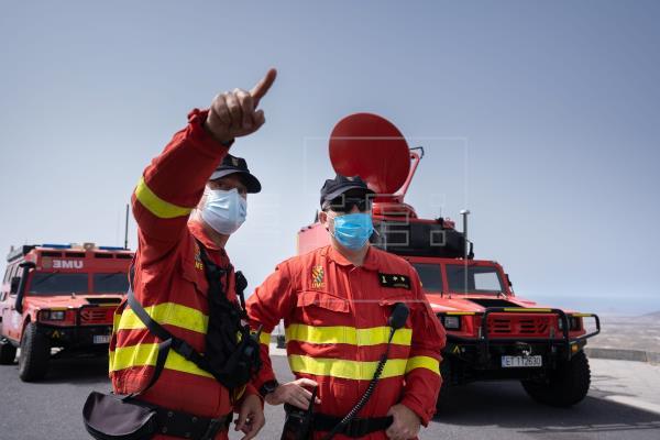 """Controlado y """"prácticamente inactivo"""" el incendio de Arico, Tenerife"""
