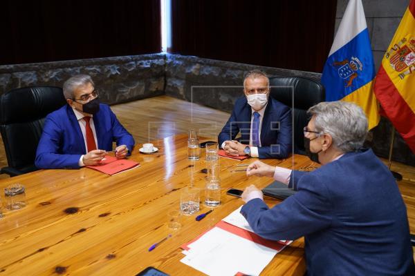 El Gobierno de Canarias pide prorrogar la limitación del número de personas en reuniones