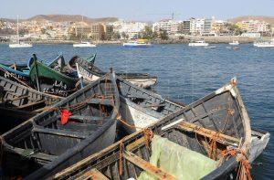 Rescatada una patera con un muerto y otras 18 personas al suroeste de Gran Canaria
