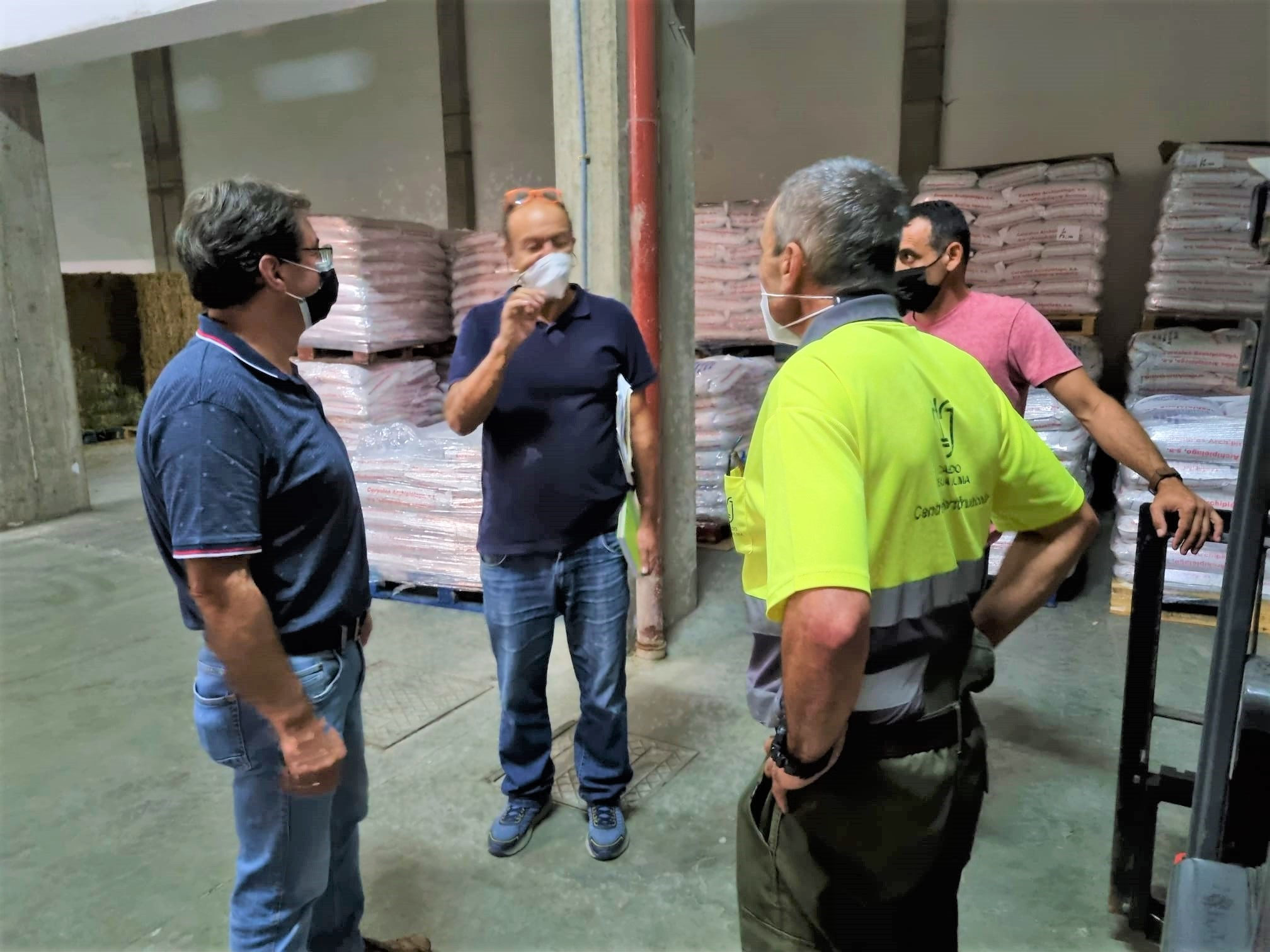 El Cabildo de La Palma habilita una serie de 'bandejas' para depositar las cenizas del volcán en puntos estratégicos de Los Llanos de Aridane y El Paso