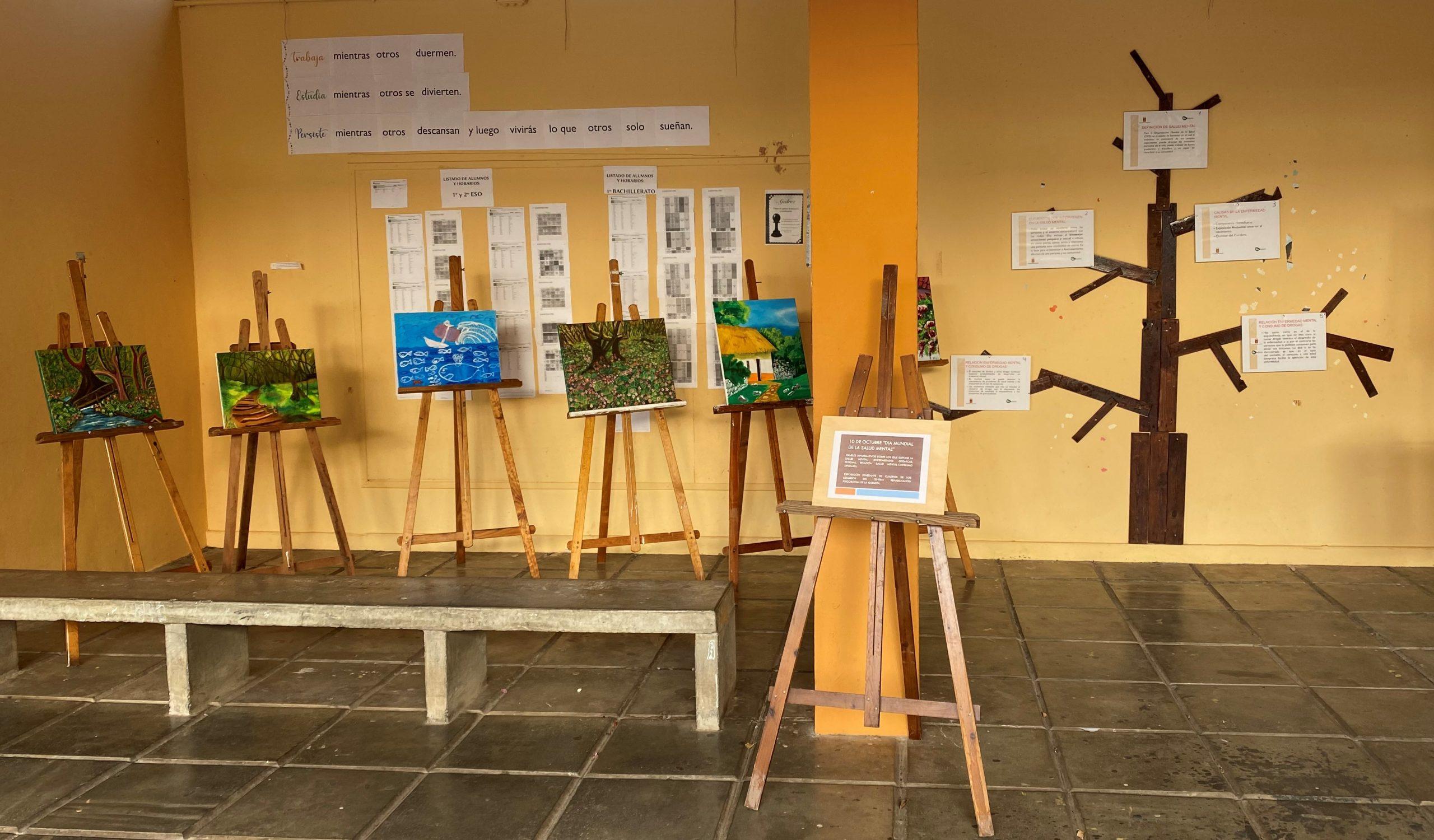 Exposición de pintura en el IES San Sebastián con motivo de las acciones de sensibilización en salud mental